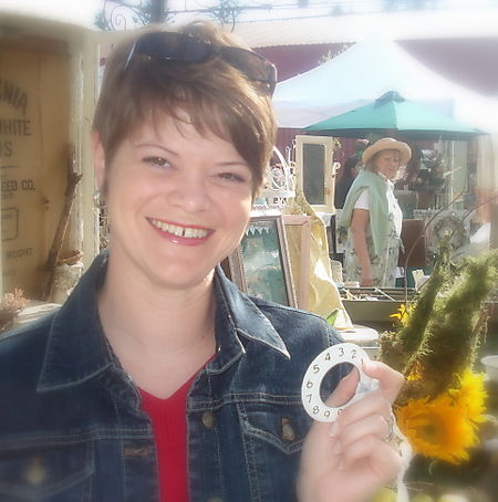 Www.QueenofTarte.blogspot.com Barn House BH Flea Market july 2008 (11)