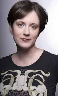 Erin Doland headshot