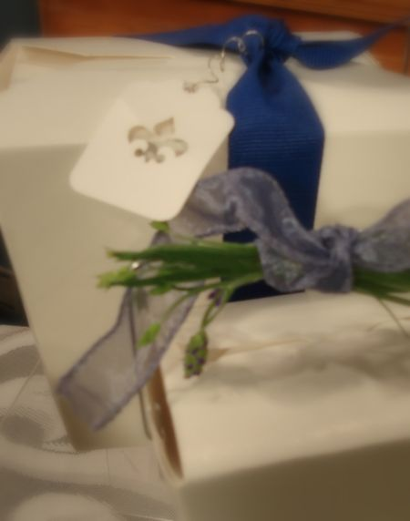 Take out boxes with ribbon